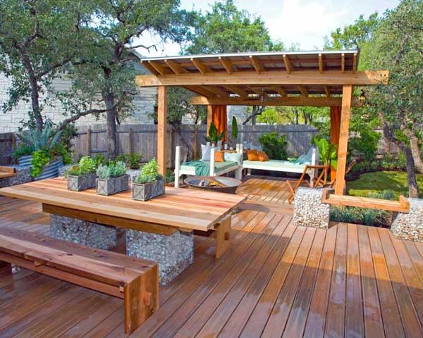 Create A Beautiful Outdoor Entertaining Area